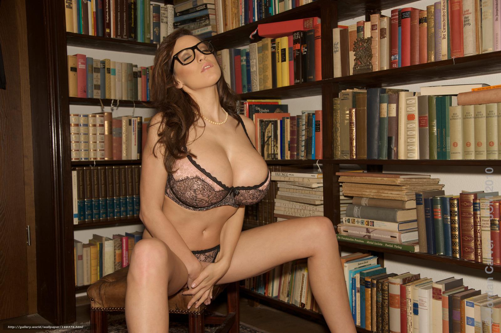 Секс в библиотеке библиотекарши и двух парней 24 фотография