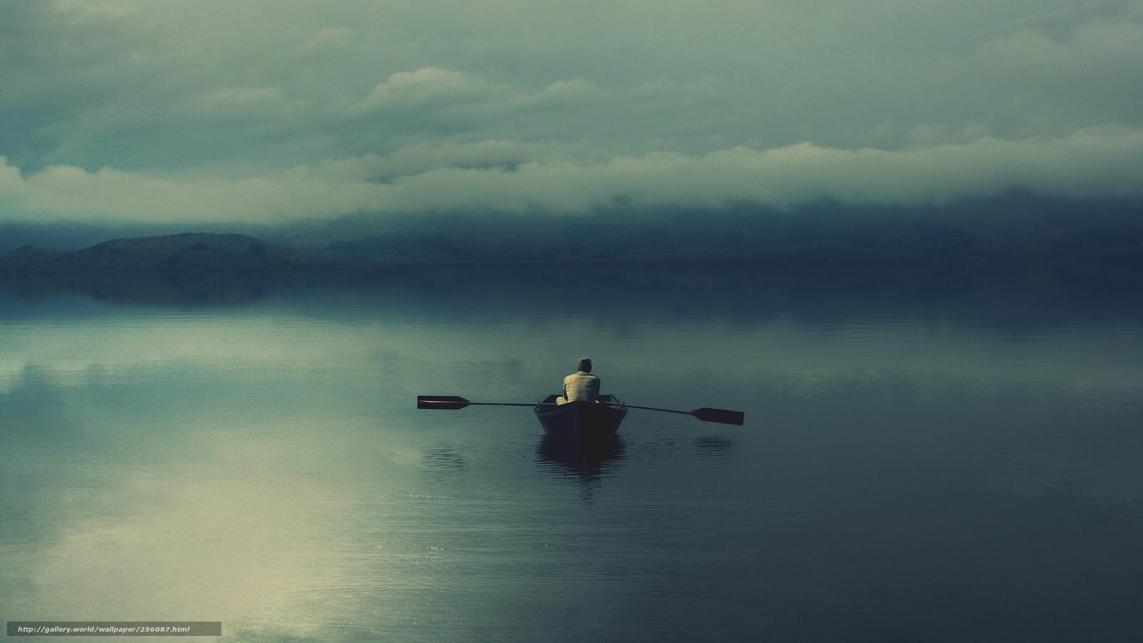 в течении реки мы заметили лодку