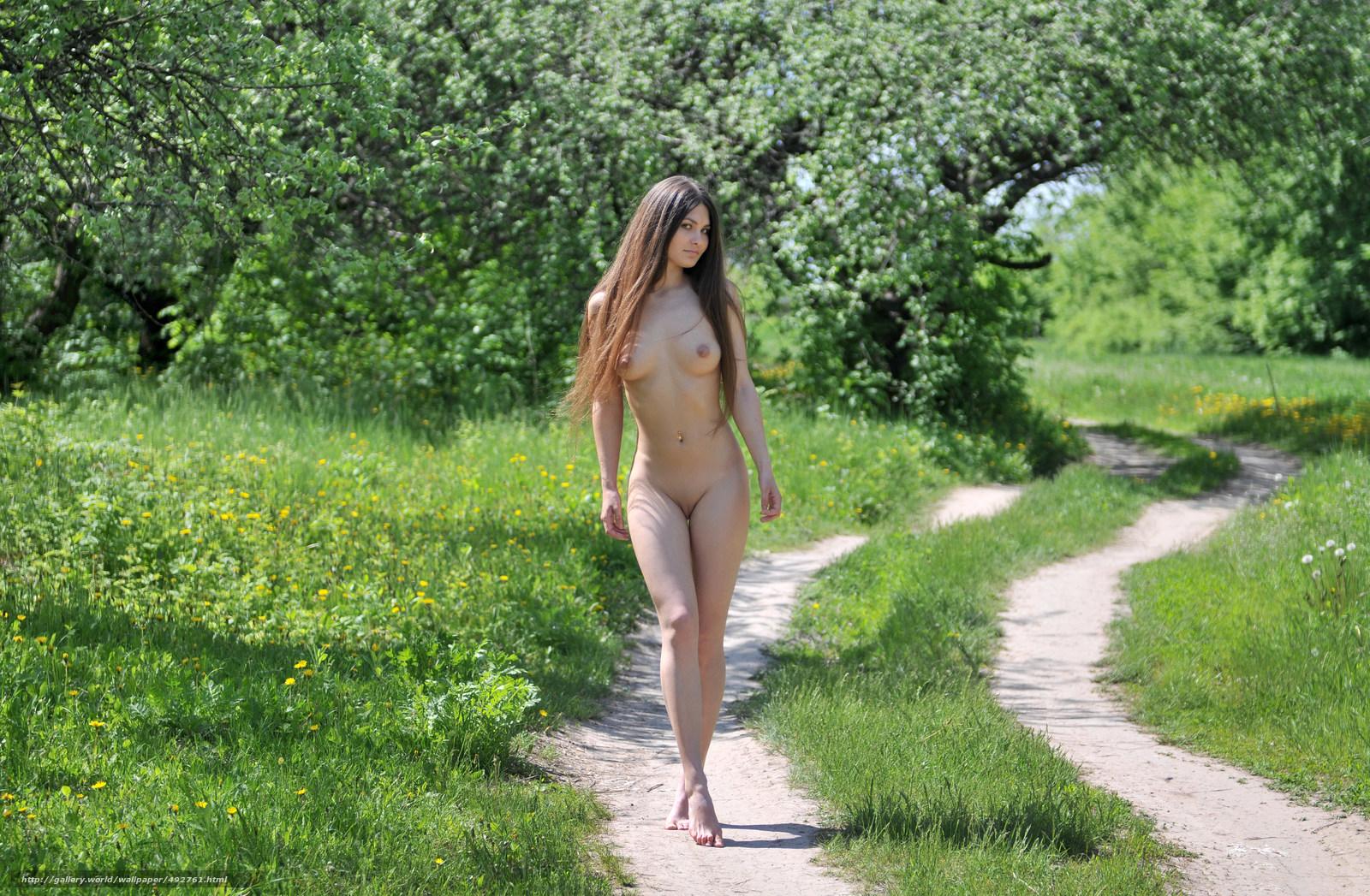 Смотреть бесплатно русские голые на улице фото 18 фотография