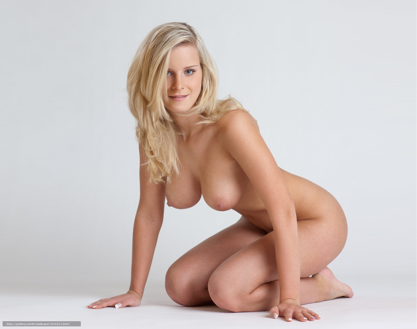 324311_miela_model_blondinka_figura_supe