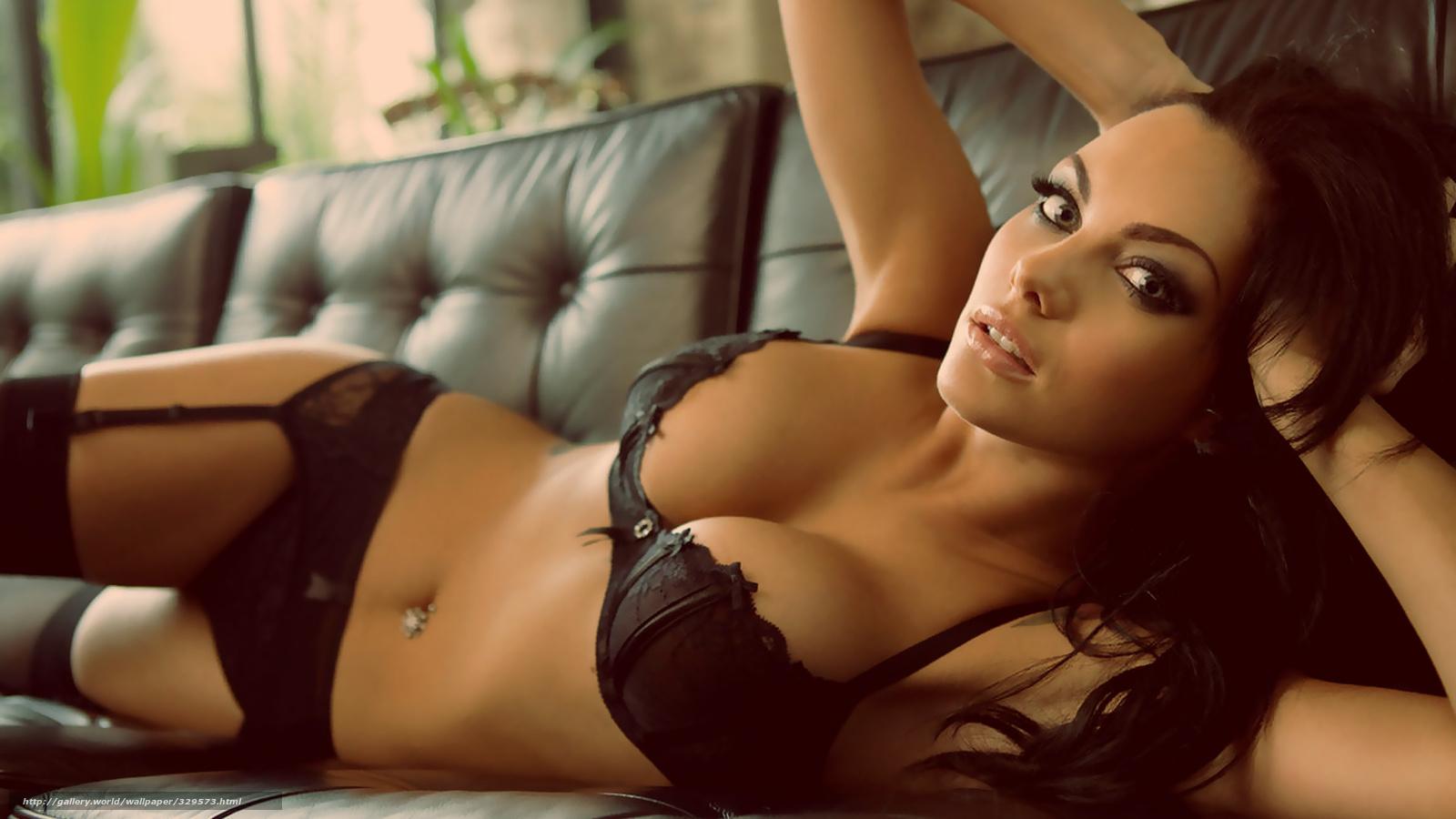 Смотреть женские груди самую большую фото