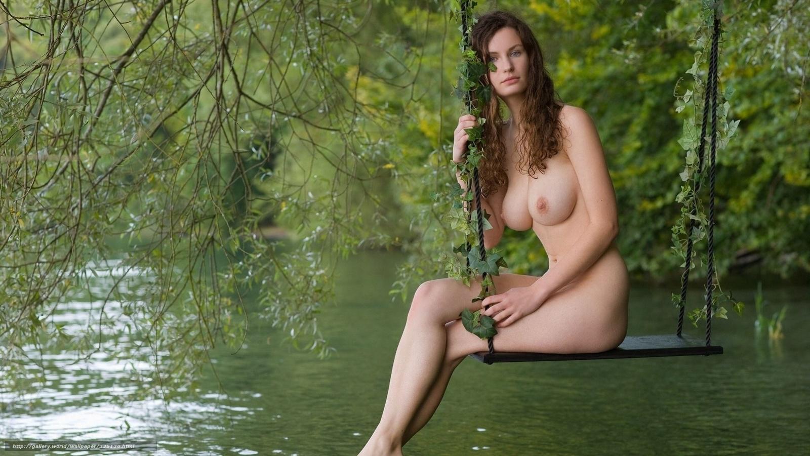 Девушка, грудь, ветки, качеля, озеро, вода, взгляд, позирует фото.