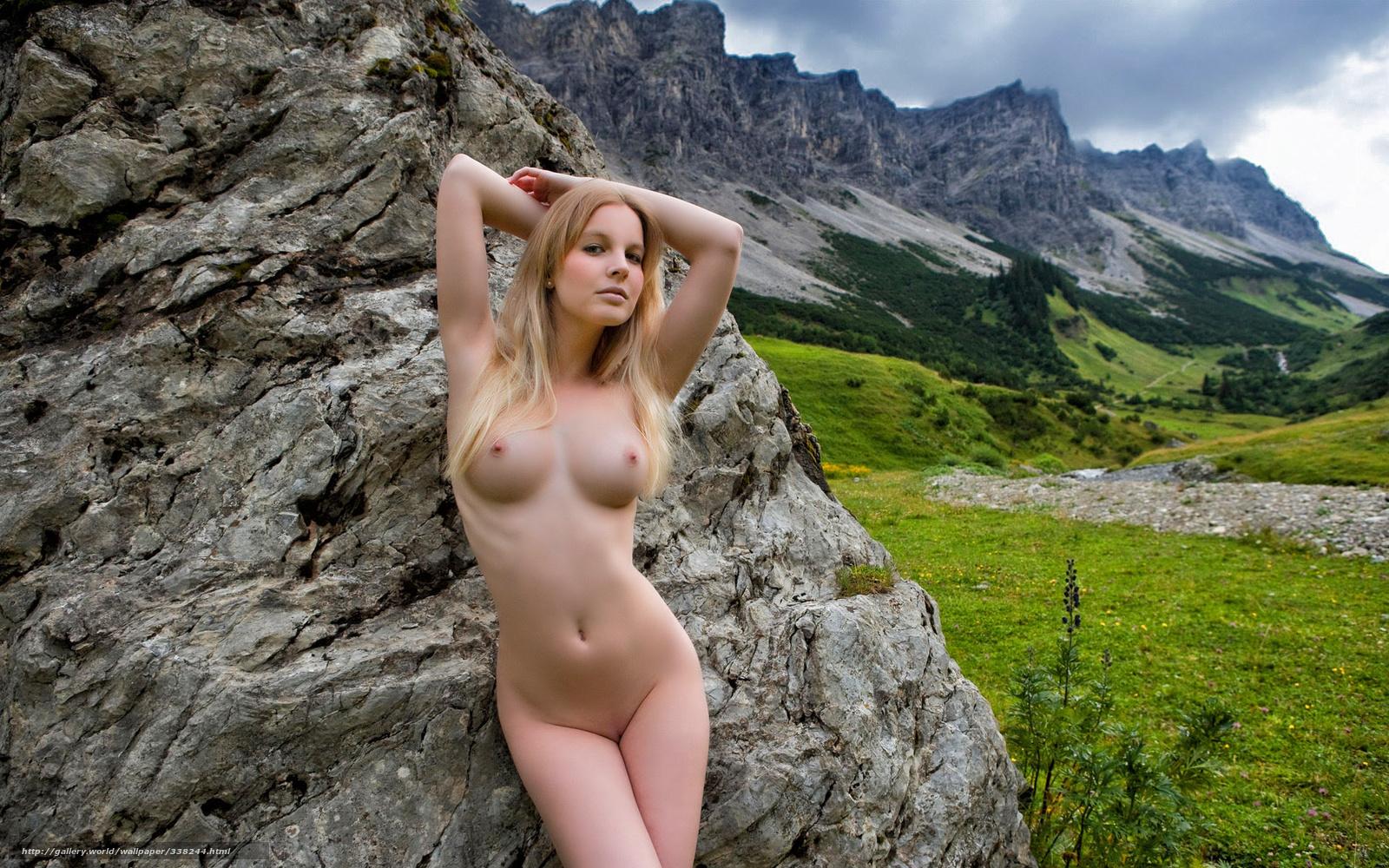 Красотка, голая, обнаженная, блондинка, поза, природа, горы, долина