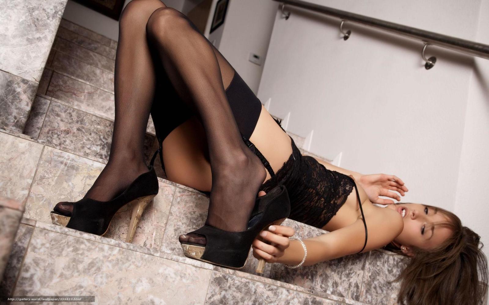 Чулках на проститутки каблуках в